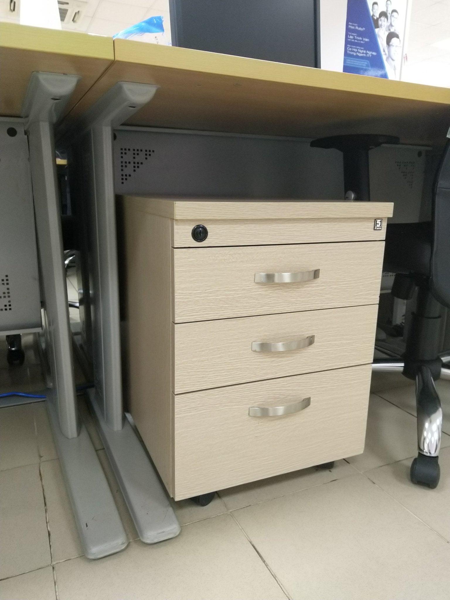 Mẫu thanh lý tủ văn phòng Cầu Giấy đẹp - giá rẻ