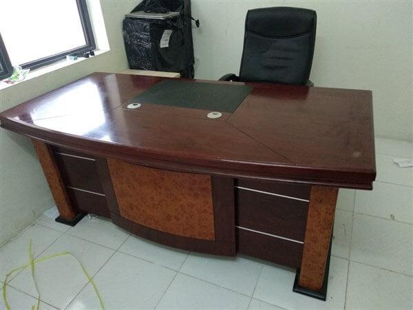 Mẫu bàn giám đốc đẹp hình chữ nhật