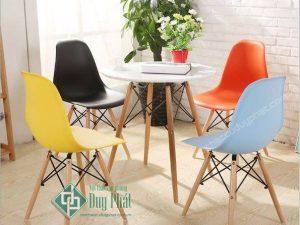 Mẫu bàn ghế cafe đẹp bằng nhựa cao cấp