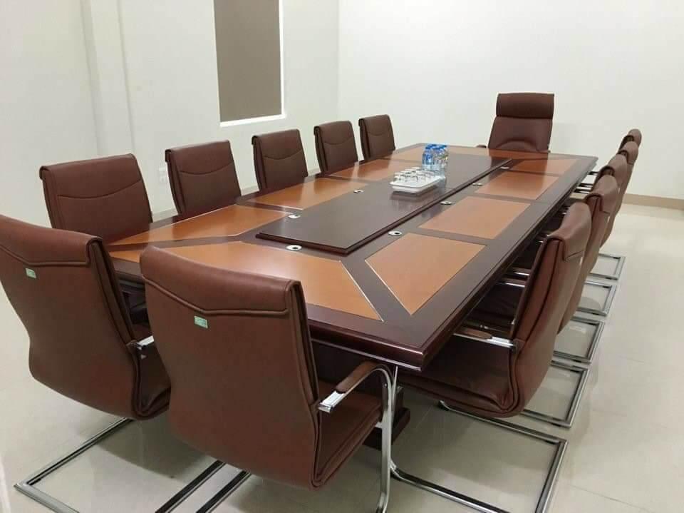 Mẫu bàn ghế văn phòng thanh lý ở Hải Dương