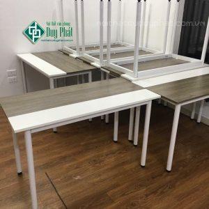 Ưu điểm bàn gỗ Melamine khiến cho các doanh nghiệp lựa chọn nhiều
