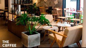 Mẫu bàn ghế quán cafe đẹp bọc nệm lưng