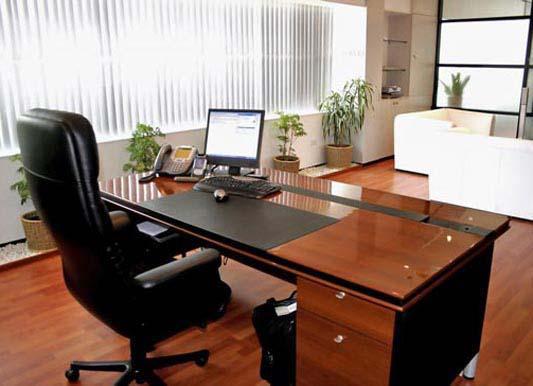 Mẫu bàn giám đốc đẹp được làm bằng gỗ công nghiệp 1