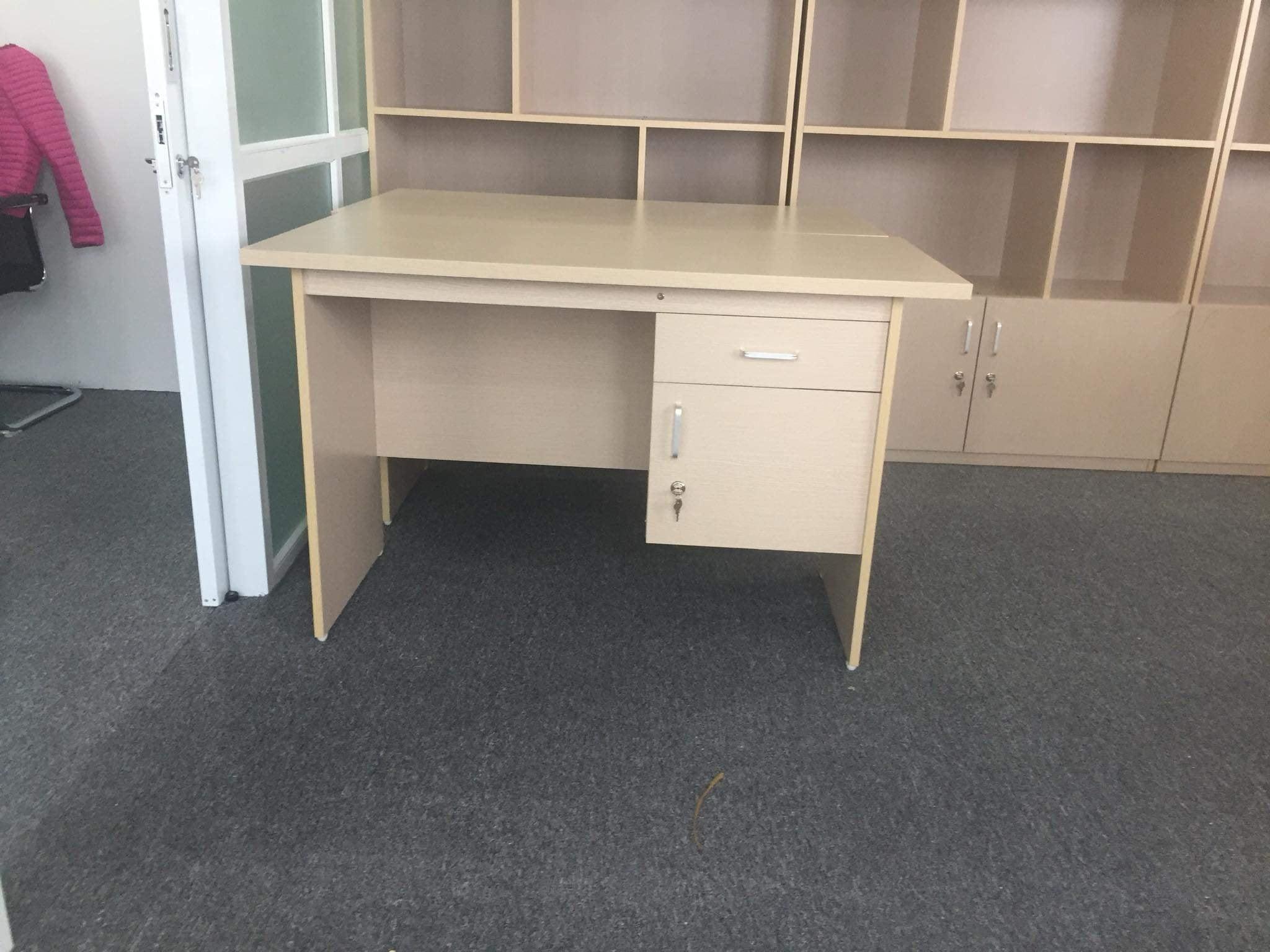 Mẫu bàn làm việc Đẹp và Hiện đại cho dân văn phòng mới nhất 2019