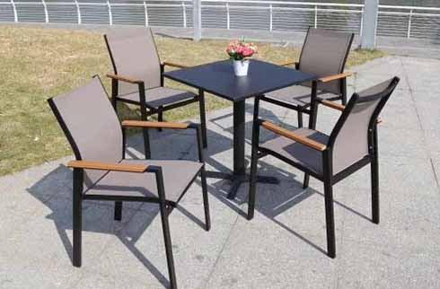 Những mẫu bàn ghế cafe ngoài trời đẹp được thiết kế độc đáo