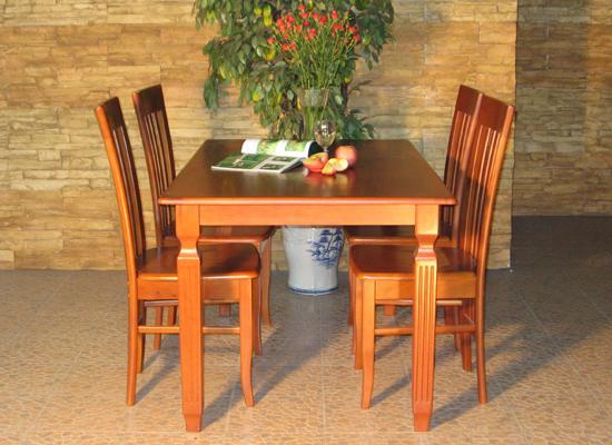 TOP 5 bộ bàn ăn gỗ xoan đào đẹp cho phòng bếp thêm ấm áp